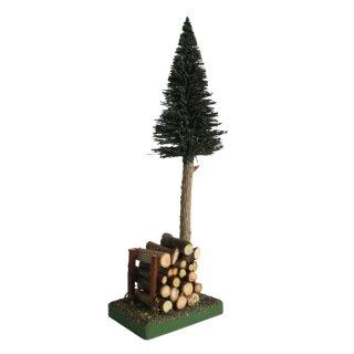 Bäumchen mit Holzstapel, 26 cm